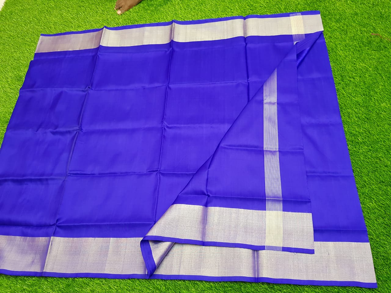 Blue uppada pure pattu with zari border saree